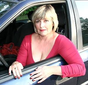 MILF Car Porn Pictures