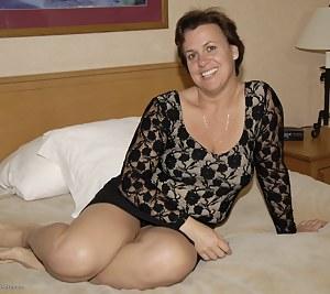 MILF Bedroom Porn Pictures